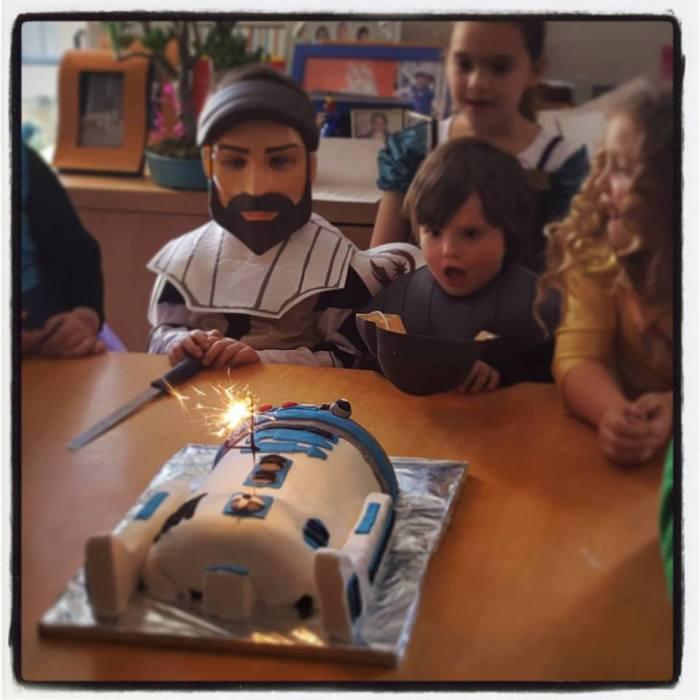 r2d2 birthday cake