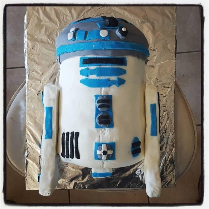 r2d2 cake baking tutorial step 10