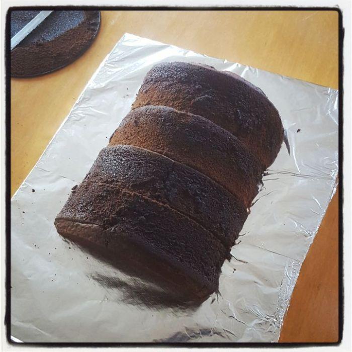 r2d2 cake baking tutorial step 2